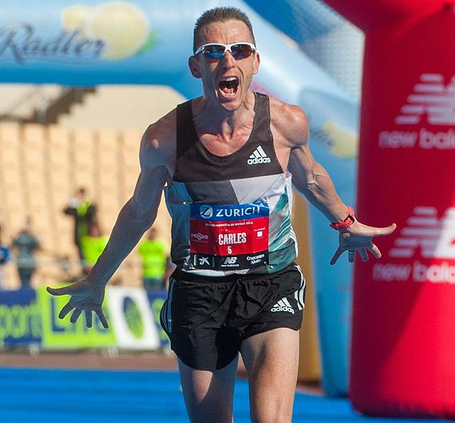 Sevilla, 21/02/2016. Llegada de Carles Castillejo, vencedor en el  Campeonato de España de Maraton con minima olimpica en el Zurich Maraton de Sevilla 2016. Foto: Juan Jose Ubeda / Zurich Maraton de Sevilla.