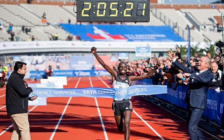 daniel-wanjiru-marato-amsterdam-2016